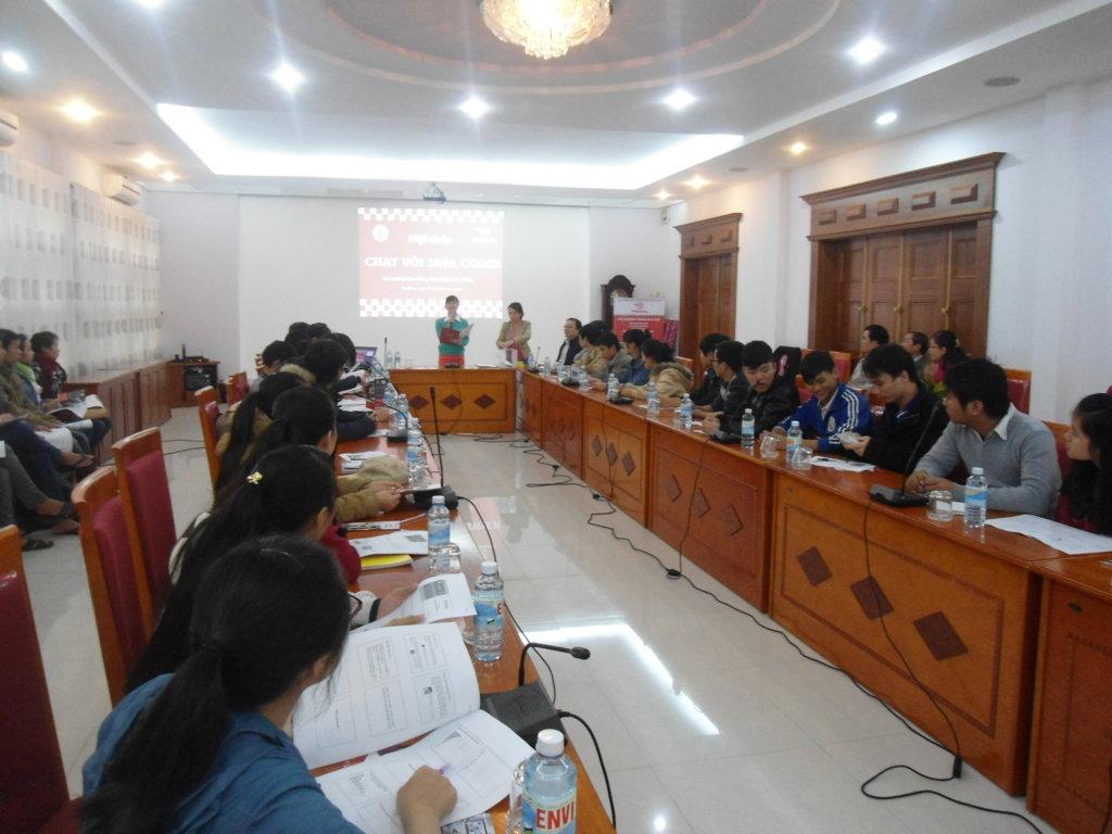 """Hội thảo """"Chat với Java Coder"""" tại Trường CĐ Công nghệ Đà Nẵng"""