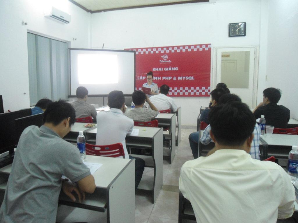Khai giảng khóa học – Lập trình web với PHP